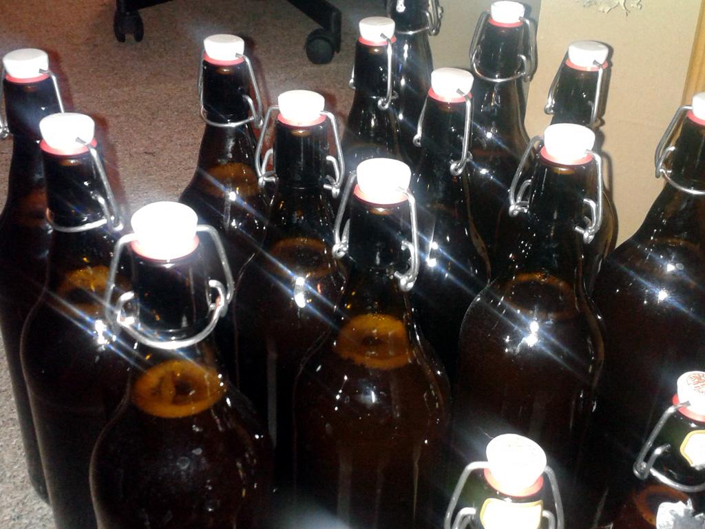 14 Liter lecker Bier in Heimarbeit.